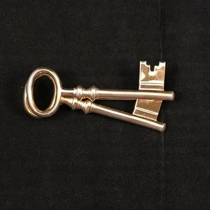 Vintage Signed Coro Double Key Golden Pin Brooch